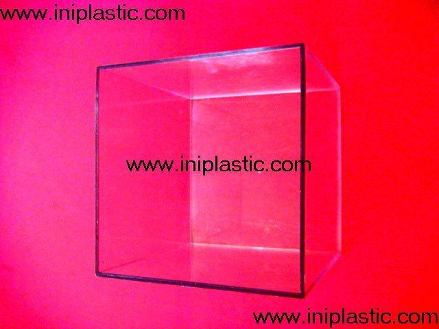 本厂是一间历史悠久的以以塑料制品及塑料模具为主导的生产厂家,有注塑,超声,移印,丝印,搪胶,装配等生产部门, 产品导向为塑料玩具,礼品等等,从概念到图纸到成品 一气呵成,我们的特色是: 我们全面,我们专业。更多产品请浏览我司网址 网站1:     www.iniplastic.com 网站2:     www.frankhoa.cn.alibaba.com 我们研发生产销售的产品分为以下几个系列; 1)科学教育类和各种中小学生教具和益智类产品 2)桌游纸牌游戏和印刷 3)各种游戏配件 4)搪胶和游艺机配件 5)鸭子先生 6)各种新奇特的储钱罐和钱罐底盖配件 7)新奇特的电子礼品电子产品如小猴指甲吹干机 8)树脂胶工艺品 9)笔头公仔,钥匙扣,天线球等 10)户外活动,家居厨房生活用品 11)宠物用品如猫薄荷猫草等等   公司名称 : 中山市燕丽塑胶制品厂  公司地址 : 中山市南朗镇第2工业区 邮政编码 : 528451  电话号码 : 86-760-85211196  传真号码 : 86-760-85526182 网站1:     www.iniplastic.com 网站2:     www.frankhoa.cn.alibaba.com 联系人 : 何生 (gm)  联系电话 : 13928173290  QQ:  550110839   ======================================== 塑料卡座、名片夹、纸牌卡座、游戏纸牌卡夹、卡片夹
