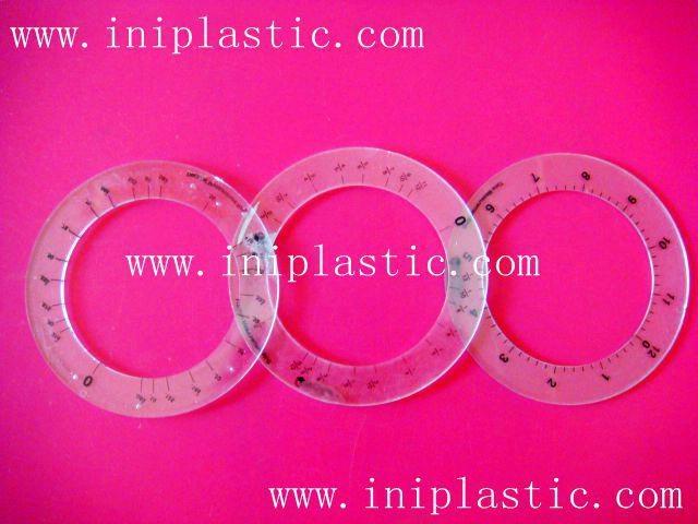 本厂是一间历史悠久的以以塑料制品及塑料模具为主导的生产厂家,有注塑,超声,移印,丝印,搪胶,装配等生产部门, 产品导向为塑料玩具,礼品等等,从概念到图纸到成品 一气呵成,我们的特色是: 我们全面,我们专业。更多产品请浏览我司网址 网站1:     www.iniplastic.com 网站2:     www.frankhoa.cn.alibaba.com 我们研发生产销售的产品分为以下几个系列; 1)科学教育类和各种中小学生教具和益智类产品 2)桌游纸牌游戏和印刷 3)各种游戏配件 4)搪胶和游艺机配件 5)鸭子先生 6)各种新奇特的储钱罐和钱罐底盖配件 7)新奇特的电子礼品电子产品如小猴指甲吹干机 8)树脂胶工艺品 9)笔头公仔,钥匙扣,天线球等 10)户外活动,家居厨房生活用品 11)宠物用品如猫薄荷猫草等等   公司名称 : 中山市燕丽塑胶制品厂  公司地址 : 中山市南朗镇第2工业区 邮政编码 : 528451  电话号码 : 86-760-85211196  传真号码 : 86-760-85526182 网站1:     www.iniplastic.com 网站2:     www.frankhoa.cn.alibaba.com 联系人 : 何生 (gm)  联系电话 : 13928173290  QQ:  550110839   ======================================== 塑料卡座、名片夹、纸牌卡座、游戏纸牌卡夹、卡片夹  ----------------------------------------- 以塑料制品及塑料模具为主导, 有注塑,超声,移印,丝印,搪胶, 装配等生产部门 产品导向为塑料玩具,礼品等等 从概念到图纸到成品 一气呵成 我们的特色是: 我们全面,我们专业 ==================================