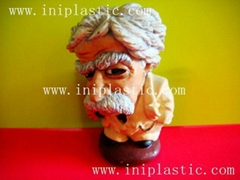 Mark Twain polyresin fig