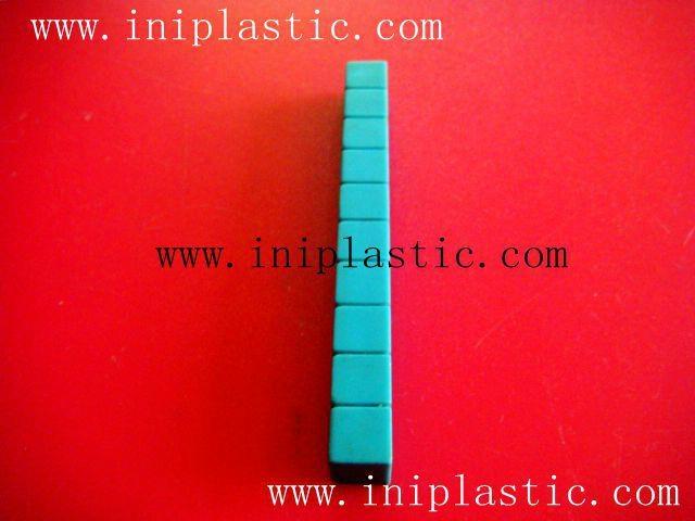 本厂是一间历史悠久的以以塑料制品及塑料模具为主导的生产厂家,有注塑,超声,移印,丝印,搪胶,装配等生产部门, 产品导向为塑料玩具,礼品等等,从概念到图纸到成品 一气呵成,我们的特色是: 我们全面,我们专业。更多产品请浏览我司网址 网站1:     www.iniplastic.com