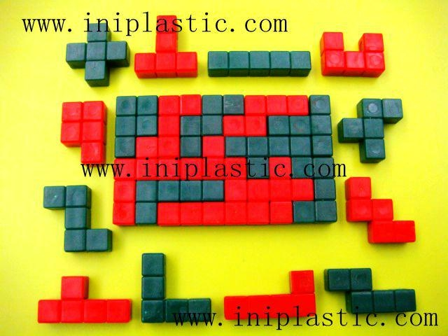 本厂是一间历史悠久的以以塑料制品及塑料模具为主导的生产厂家,有注塑,超声,移印,丝印,搪胶,装配等生产部门, 产品导向为塑料玩具,礼品等等,从概念到图纸到成品 一气呵成,我们的特色是: 我们全面,我们专业。更多产品请浏览我司网址 网站1:     www.iniplastic.com 网站2:     www.frankhoa.cn.alibaba.com 我们研发生产销售的产品分为以下几个系列; 1)科学教育类和各种中小学生教具和益智类产品 2)桌游纸牌游戏和印刷 3)各种游戏配件 4)搪胶和游艺机配件 5)鸭子先生 6)各种新奇特的储钱罐和钱罐底盖配件 7)新奇特的电子礼品电子产品如小猴指甲吹干机 8)树脂胶工艺品 9)笔头公仔,钥匙扣,天线球等 10)户外活动,家居厨房生活用品 11)宠物用品如猫薄荷猫草等等