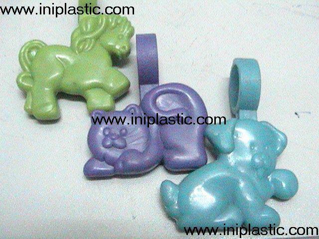 鑰匙扣帶吊飾是l塑料籌碼鑰匙扣兩面印刷logo 17