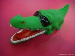 PVC鳄鱼|搪胶鱼|搪胶鳄鱼|游泳鱼|玩具游水鱼|喷水鱼