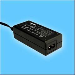 24W桌面式开关电源适配器