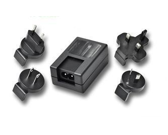 销售5W可换头USB充电器 2