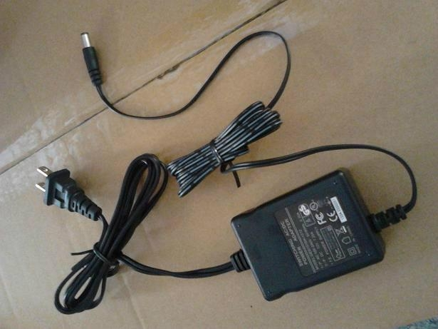 销售15W桌面式开关电源适配器 1