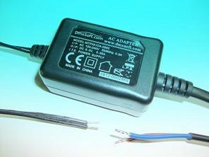 销售桌面式9V0.65A开关电源适配器 1