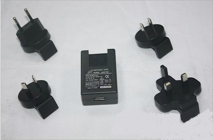 銷售5W可換頭USB充電器 1