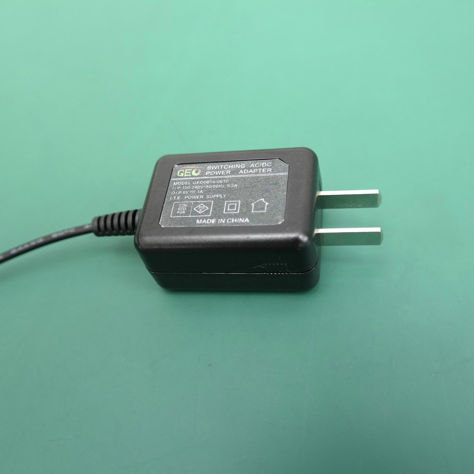 G051U-120050B-1 12V0.5A 开关电源 3