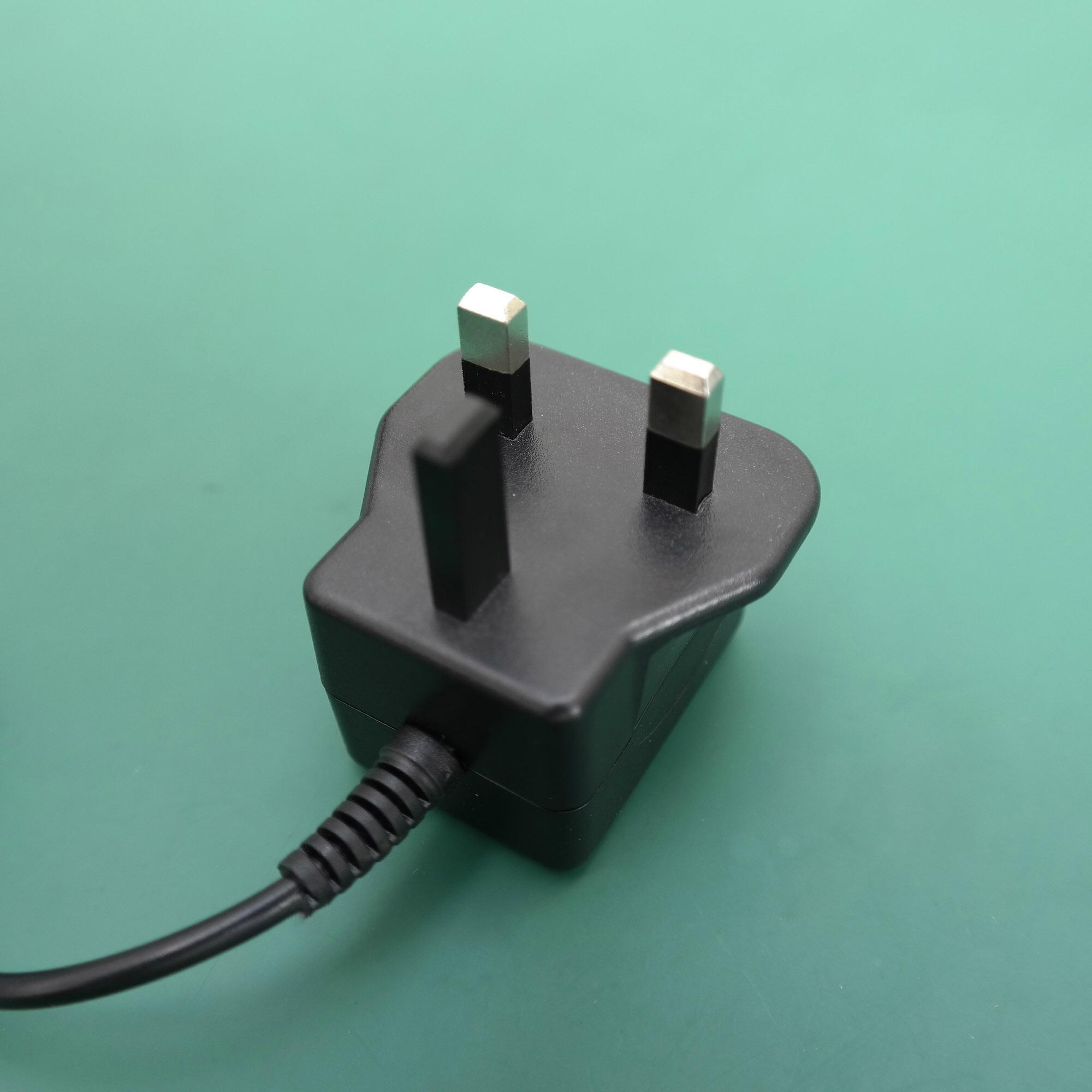 销售5W英国开关电源适配器 7