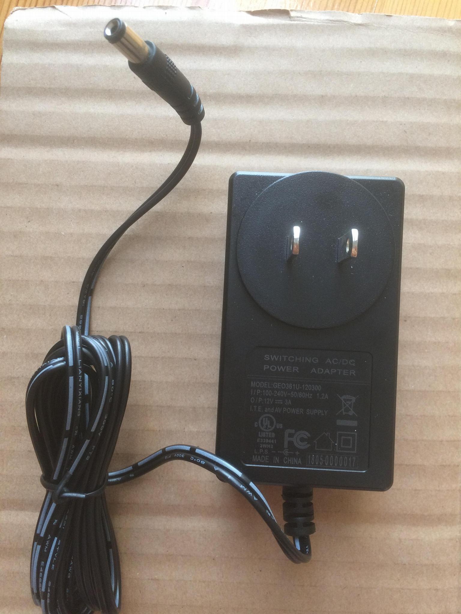 36W电源适配器,12V3A插墙式电源 1
