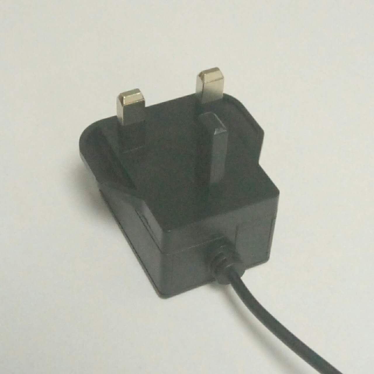 销售5W英国开关电源适配器 9