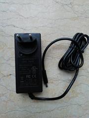 銷售 12V5A 歐規插牆式電源 GEO651DA-1250