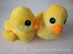 毛绒大黄鸭