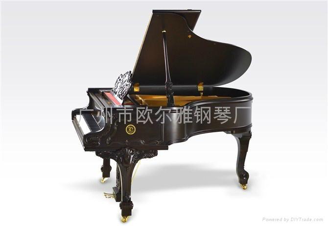 黑色三角钢琴