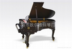 黑色三角鋼琴