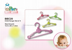 Child Cloth Hanger (Set of 4)