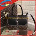 LV CHAIN IT BAG PM M44115 1:1 Design and