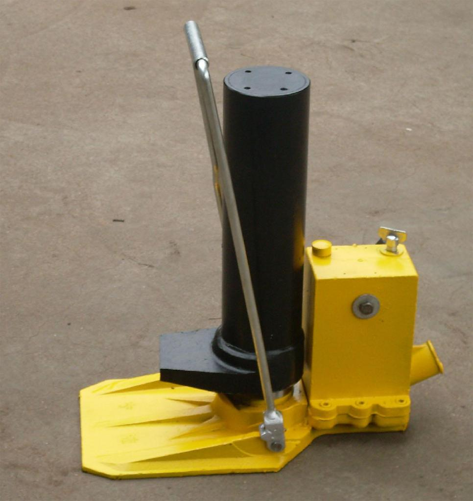 GYQD-196宽枕板液压起道器 1