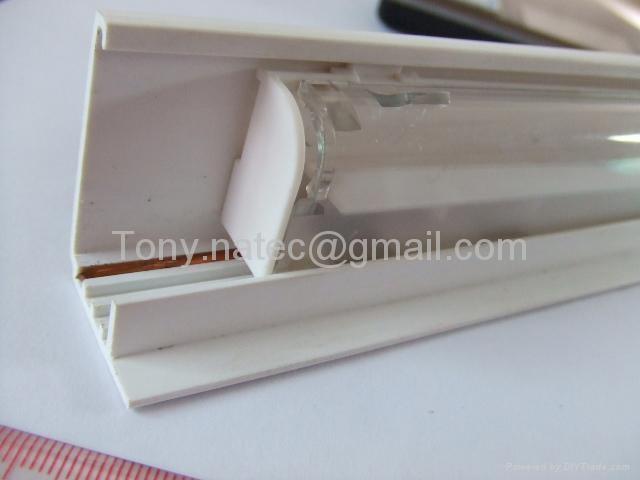PVC雙色共擠,PVC卡軌,PVC異型材,PVC標牌條 5