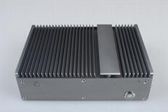 嵌入式無風扇工控機 9~28V直流2LAN/3COM/5USB