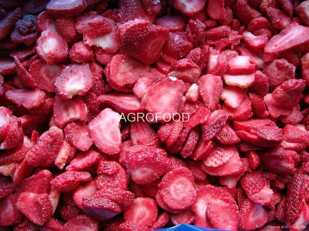 IQF strawberries 2