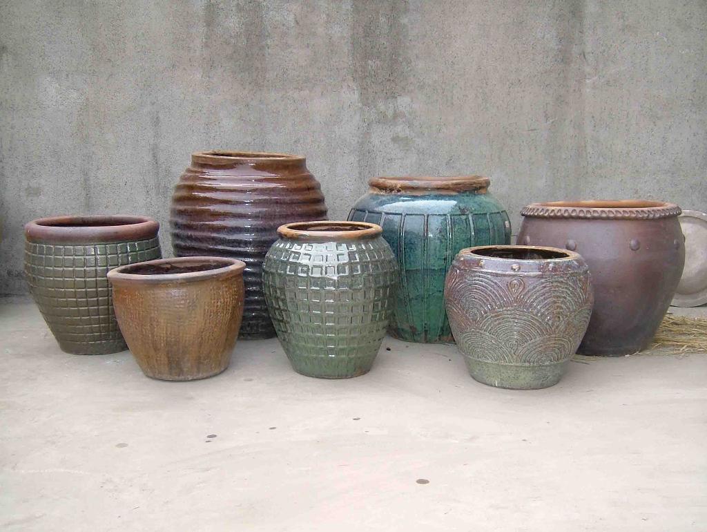 Rustic pot 1