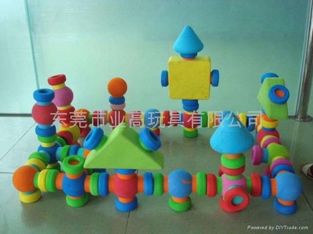 东莞市业高玩具有限公司专业生产的eva积木,各种几何图形可以任意组合