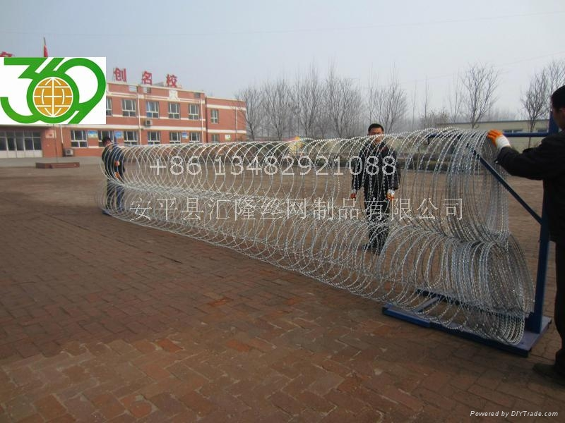CW-14 Mobile Security Barriers 3
