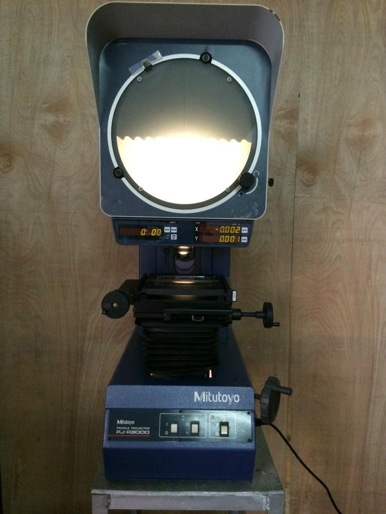 专业维修三丰投影机  1