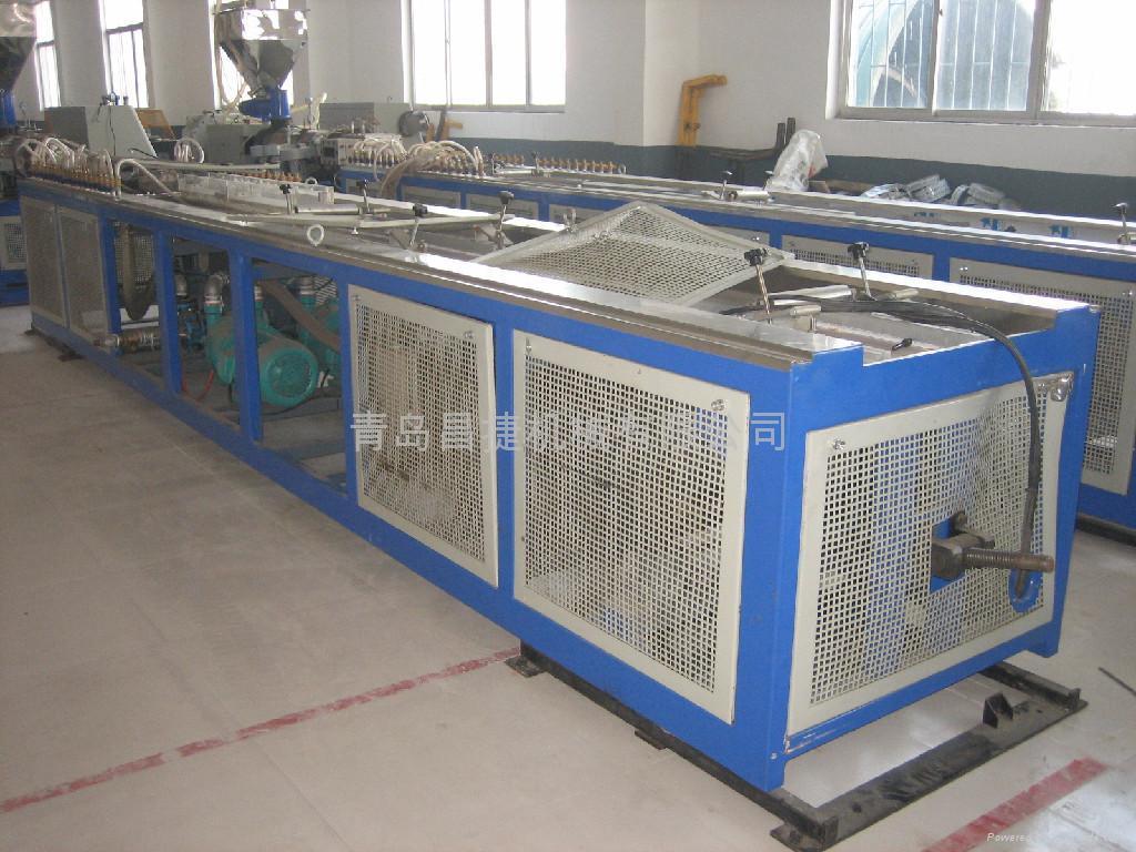 供應木塑型材生產線 3