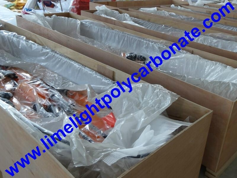 Packing of clear kayak transparent kayak crystal kayak polycarbonate kayak PC kayak see bottom kayak see through kayak clear canoe transparent canoe crystal canoe polycarbonate canoe see through canoe see bottom canoe PC canoe kayak paddling