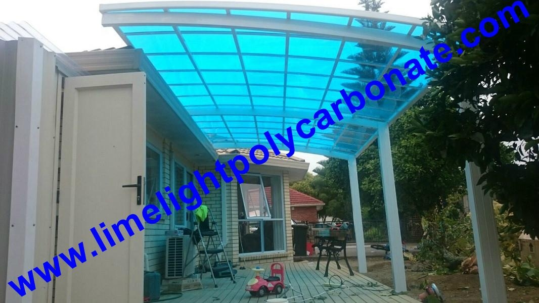 Aluminium frame patio with polycarbonate solid sheet