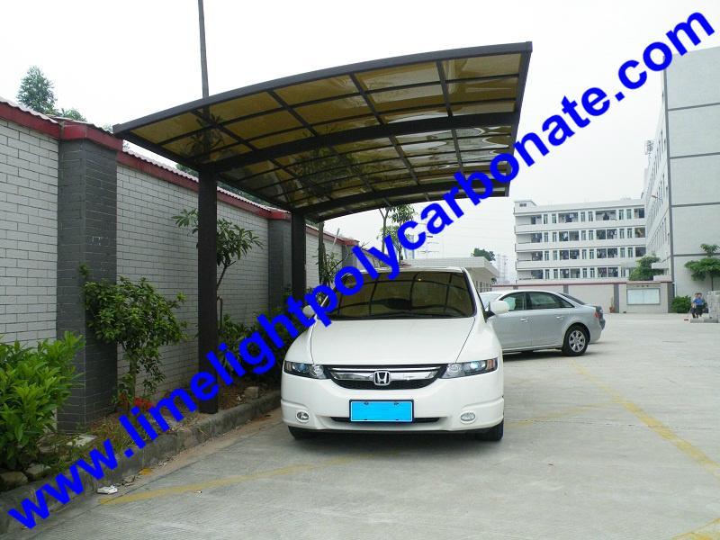 DIY carport with aluminium frame and polycarbonate glazing